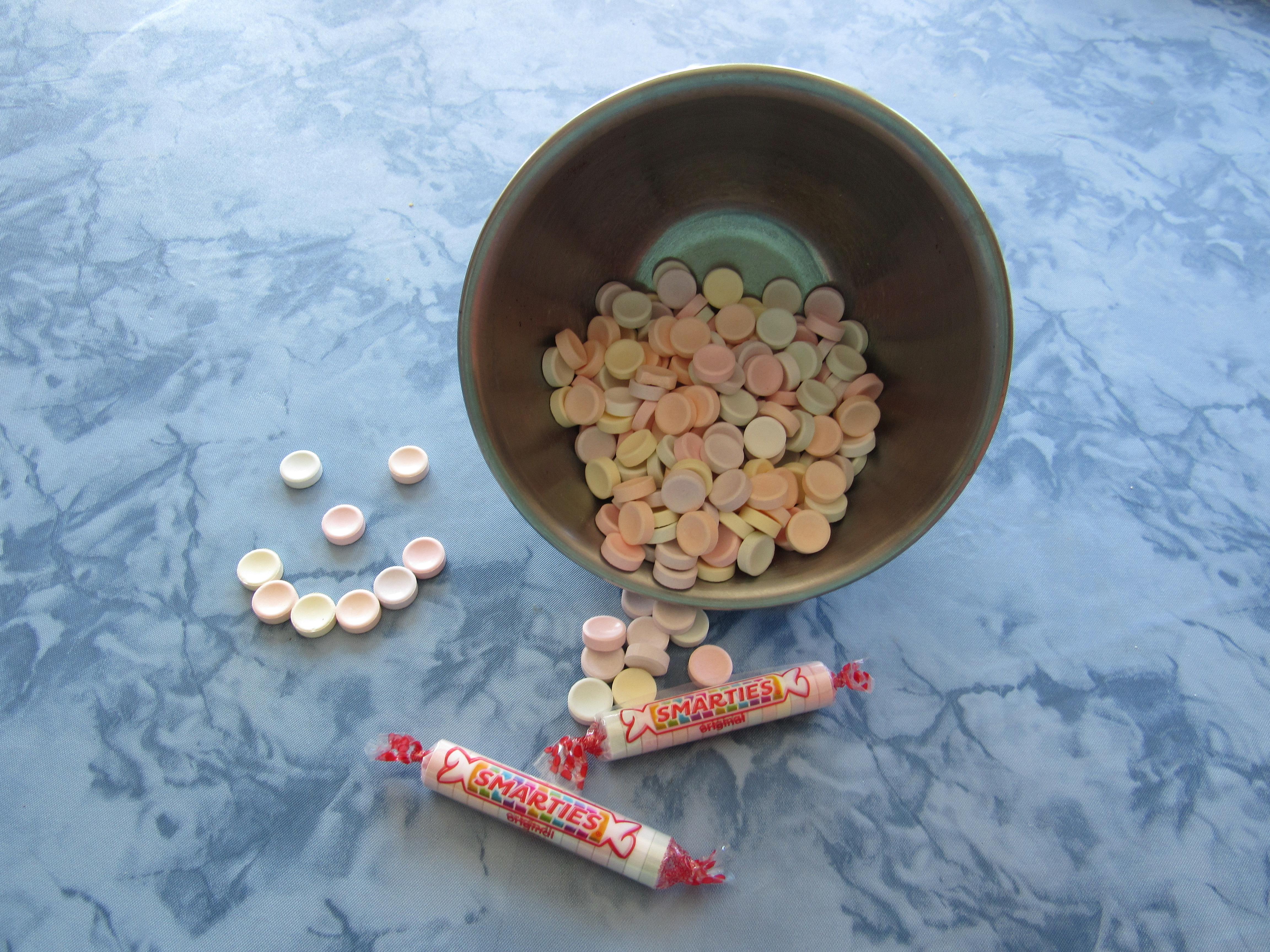 Picture of Smarties candies as used in the activity